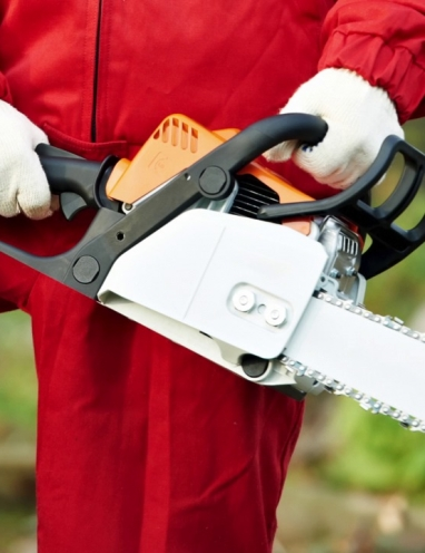 Safety Tip Video: Safe Operation of Chain Saws